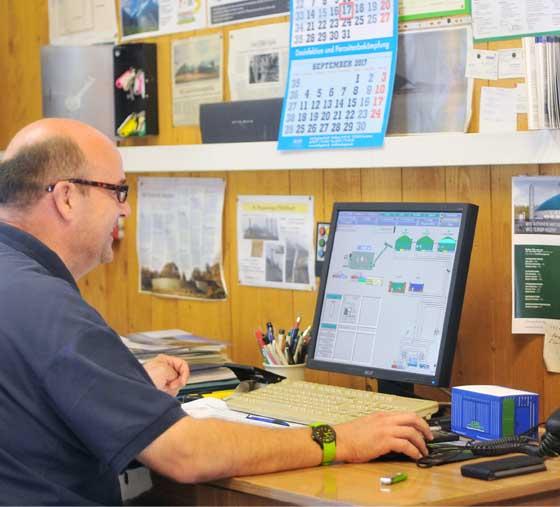 Büroarbeit Agrargesellschaft Pfiffelbach